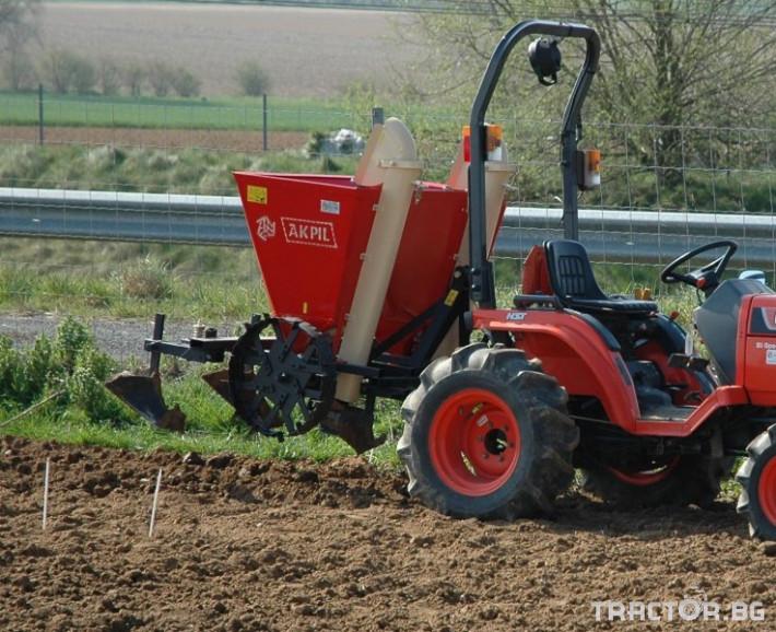 Машини за зеленчуци Картофо-сеялка AKPIL Planter 3H 5 - Трактор БГ