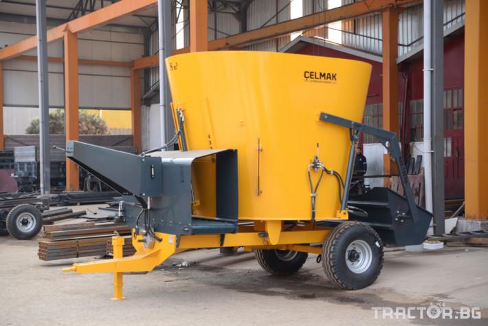 Машини за ферми Фуражо-раздаващо ремарке Celmak 3 - Трактор БГ